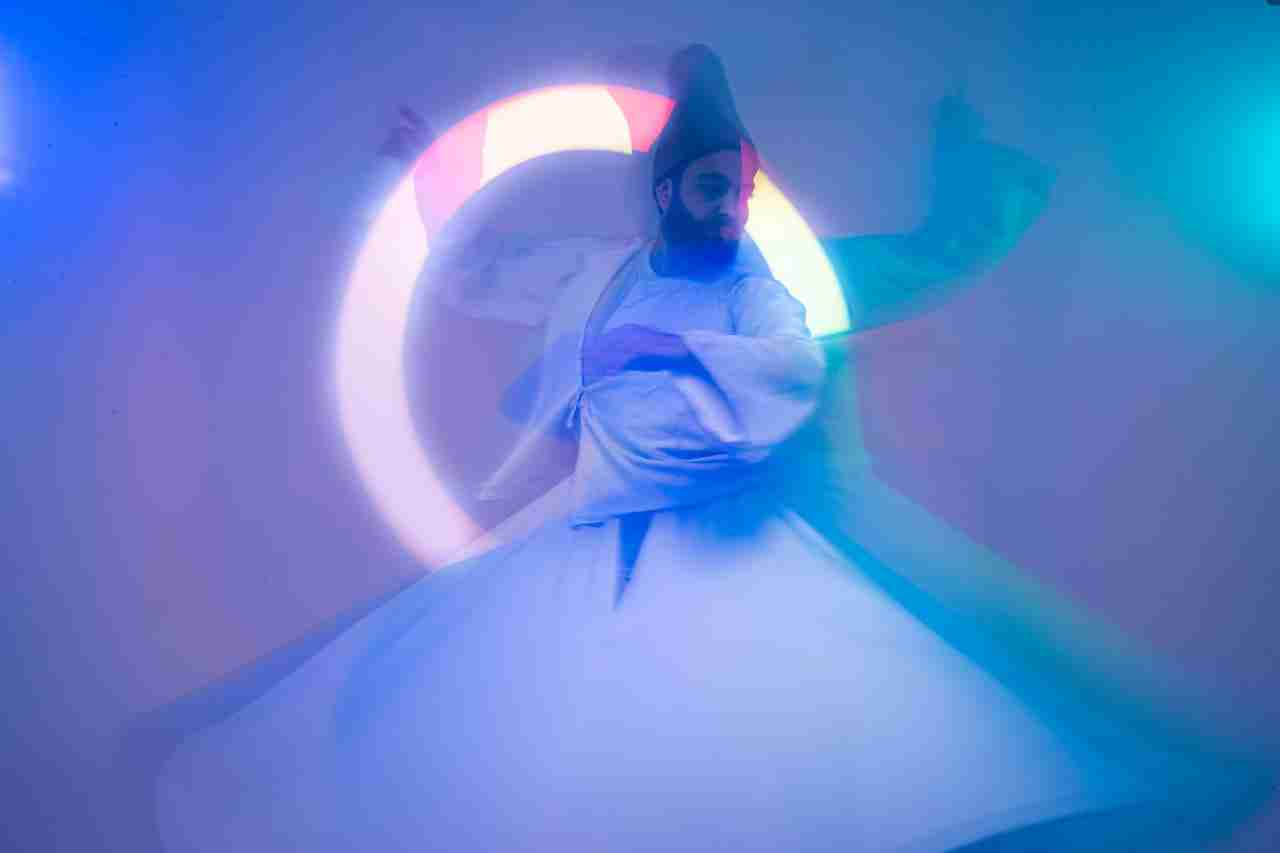 Whirling dance